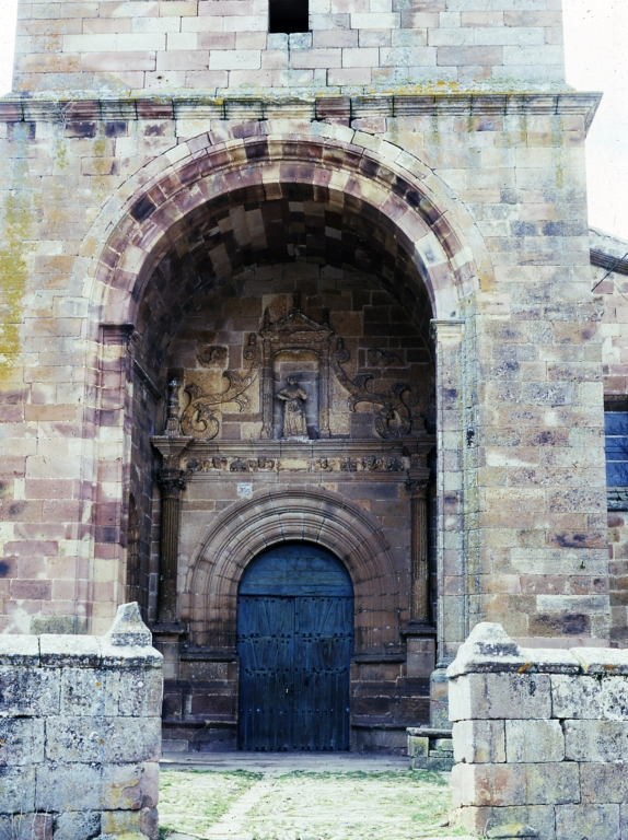 Salinas Iglesia portada